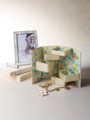 IMAGE 「Gift Catalog」