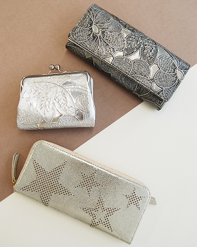 ウォレット(長財布)、ガマグチ、ミニ財布 シルバー ガンメタ 星形